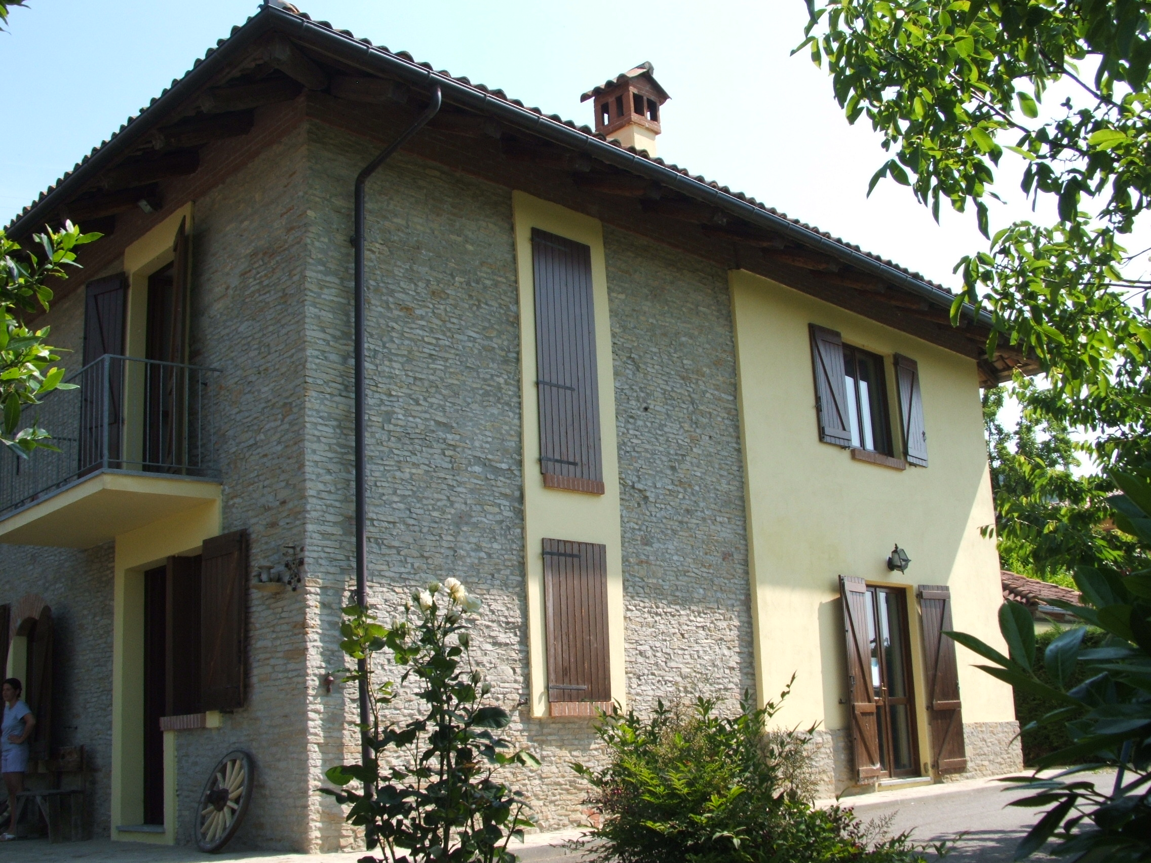 Casalanghe for Tre case di pietra